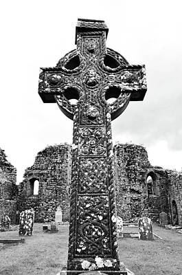 Photograph - Celtic High Cross Athassel Priory County Tipperary Ireland Black And White by Shawn O'Brien
