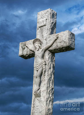 John 3 16 Photograph - Cemetery Statue Of Jesus by Randy Steele