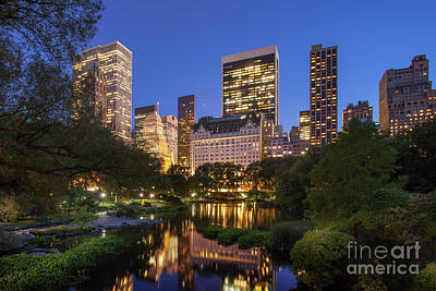 Photograph - Central Park Twilight by Brian Jannsen