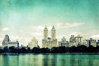 Photograph - Central Park by Yvette Van Teeffelen