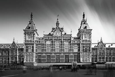 Amsterdam Wall Art - Photograph - Central Station by Ivo Kerssemakers