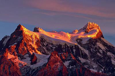 Photograph - Cerro Paine Grande Sunrise - Patagonia by Stuart Litoff