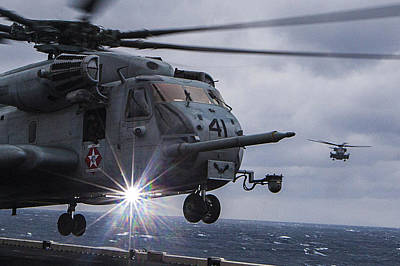 Honour Painting - Ch-53e Super Stallion Helicopter Us Navy by Celestial Images