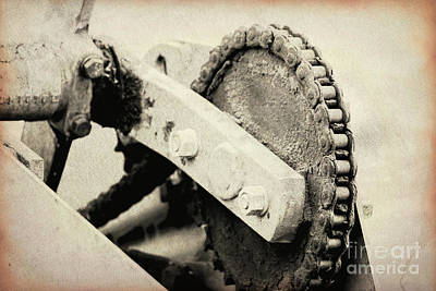 Photograph - Chain And Gear by Jackie Farnsworth