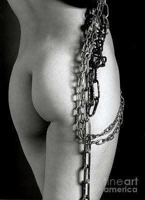 Photograph - Chain Me by Simon Pocklington