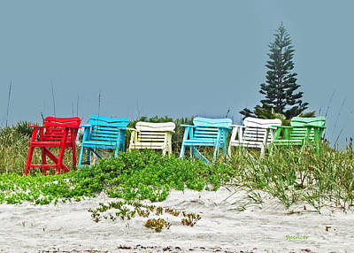 Photograph - Chairs by T Guy Spencer