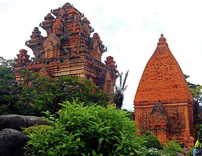 Photograph - Cham Towers 18 by Ron Kandt