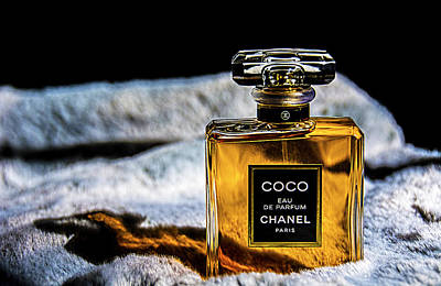 Photograph - Chanel Vintage Perfume Bottle by Renee Anderson