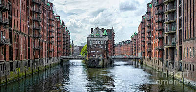 Beers On Tap - Channels of Hamburg by JR Photography