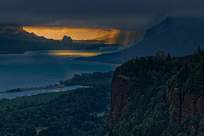 Photograph - Chanticleer Point Sunrise by Thomas Hall