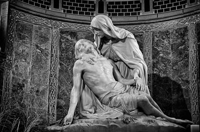 Photograph - Chapel Of The Pieta 2 by Pablo Lopez