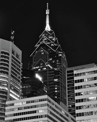 Rocky Statue Photograph - Charcoal Night Philly Lights by Frozen in Time Fine Art Photography