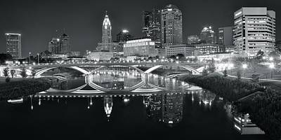 Photograph - Charcoal Stretch In Columbus by Frozen in Time Fine Art Photography