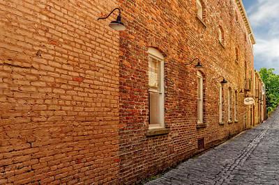 Photograph - Charleston Cobblestone Alley  -  Charlestonbaystalley135941 by Frank J Benz