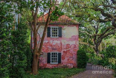 Photograph - Charleston Southern Carriage House by Dale Powell