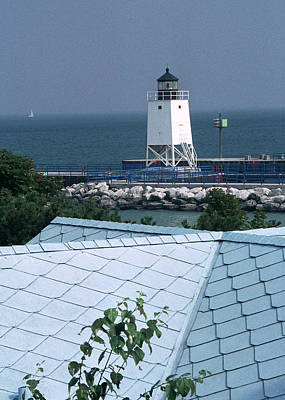 Photograph - Charlevoix Light, Michigan by Kenneth Campbell
