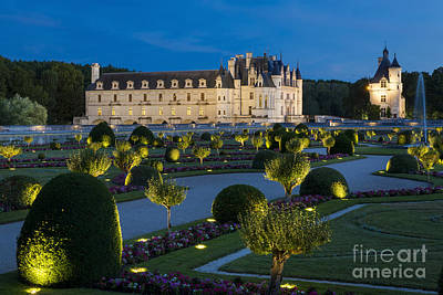 Photograph - Chateau Chenonceau Twilight by Brian Jannsen