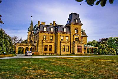 Mansion Digital Art - Chateau-sur-mer by Ches Black