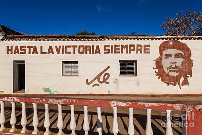 Famous Stencils Photograph - Che Guevara Portrait, Cuba by Voisin/phanie