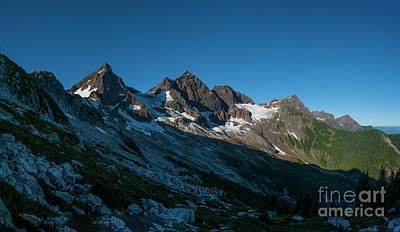 Photograph - Cheam Ridge by Rod Wiens