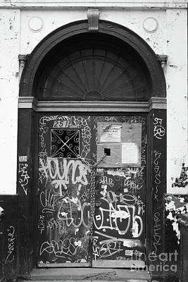 Chelsea Photograph - Chelsea Doorway Nyc by Edward Fielding