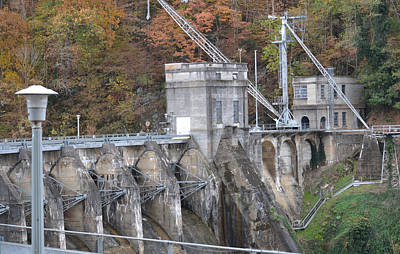 Photograph - Cheoah Dam Little Tennessee River by rd Erickson