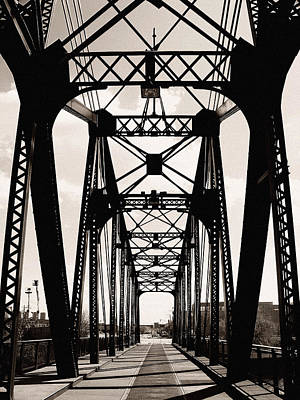 Cherry Avenue Bridge Art Print