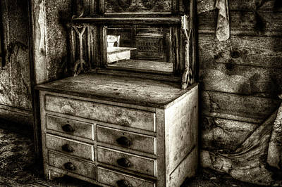 Photograph - Chest With Mirror In Bodie Ghost Town by Roger Passman