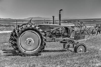 Photograph - Chesterfield Tractor by Richard J Cassato