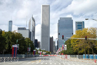 Columbus Drive Photograph - Chicago Marathon The Day Before 02 by Thomas Woolworth