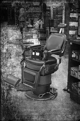 Chicago Marshall Fields Antique Barber Chair Bw 01 Vertical Art Print by Thomas Woolworth