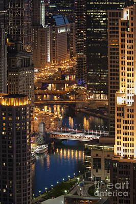 Photograph - Chicago River - D009822 by Daniel Dempster
