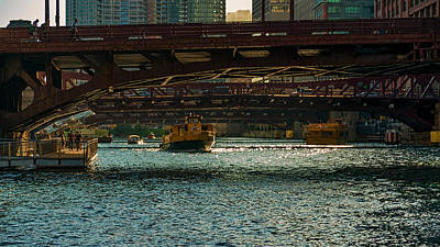 Outdoor Graphic Tees - Chicago River by Nisah Cheatham