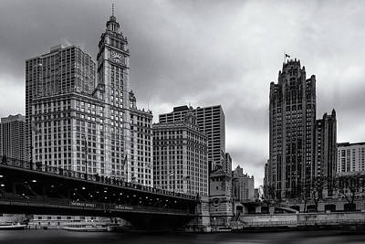 Glass Photograph - Chicago River Scene by Andrew Soundarajan