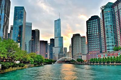 Chicago River View At Dusk Art Print