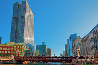 Photograph - Chicago River Wells St Bridge by Tom Jelen
