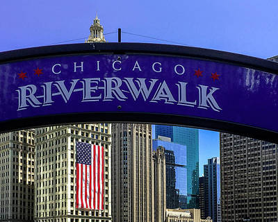 Riverwalk Photograph - Chicago Riverwalk by Andrew Soundarajan