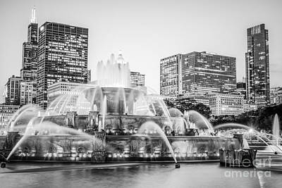Buckingham Fountain Wall Art - Photograph - Chicago Skyline Black And White Photography by Paul Velgos