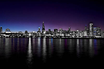 Photograph - Chicago Skyline Bnw With Blue-purple by Richard Zentner