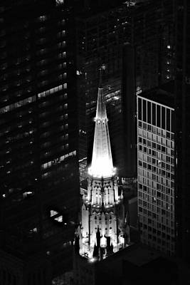Photograph - Chicago Temple Building Steeple Bw by Richard Zentner