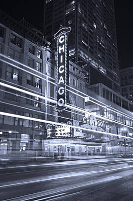Sears Tower Photograph - Chicago Theater Marquee B And W by Steve Gadomski