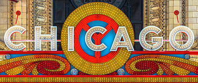 Photograph - Chicago Theatre Sign V4 Dsc2176 by Raymond Kunst