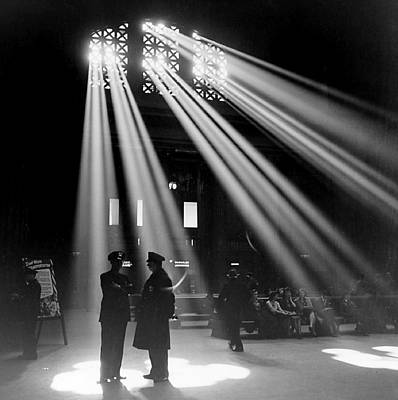 Photograph - Chicago Union Station 1943 by Jack Delano Presented by Joy of Life Art