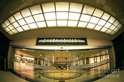 Photograph - Chicago Union Station Interior Fisheye by John Rizzuto