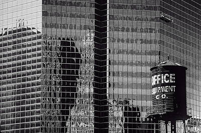 Photograph - Chicago Window Washers by Roger Passman