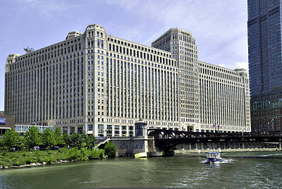 Photograph - Chicago's Merchandise Mart by Alan Toepfer