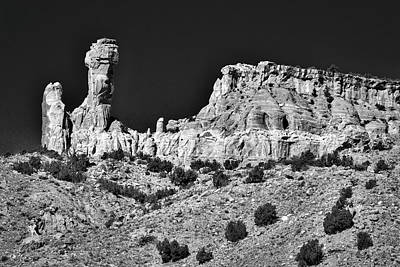 Photograph - Chimney Rock - New Mexico #5 by Stuart Litoff