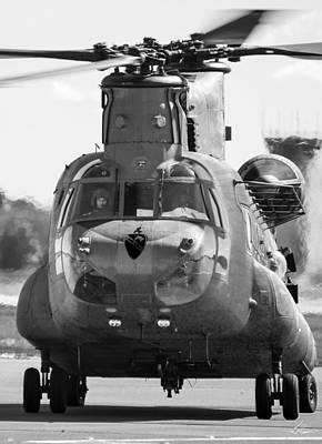 Photograph - Chinook Ch47 by Philip Rispin