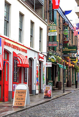Photograph - Choices In Temple Bar by John Rizzuto