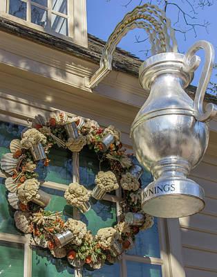 Flower Pint Photograph - Chownings Wreath 03 by Teresa Mucha